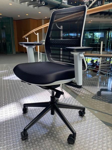 Koplus Tonique White Chair